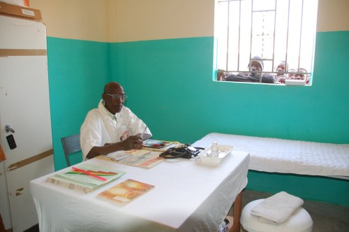 Adama Traoré, Krankenpfleger von Signé