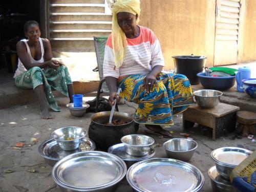 DSCN0710S Le partage du repas