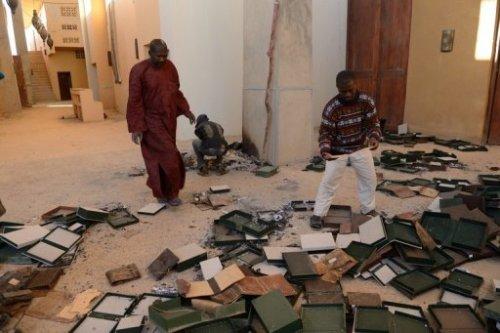 Des anciens manuscrits brulés dans la bibliothèque de Ahmed Baba à Tombouctou, le 29 janvier 2013