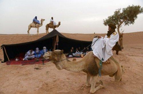 Un camp de nomades à M'Hamid el Ghizlane, dans le sud du Maroc, le 16 mars 2013