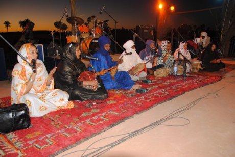Le groupe malien Tartit au Festival Taragalte (© Fouâd Harit)