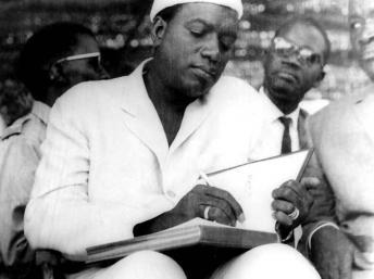 Modibo Keita, premier président du Mali. Le 22 septembre 1960, il proclame l'indépenda