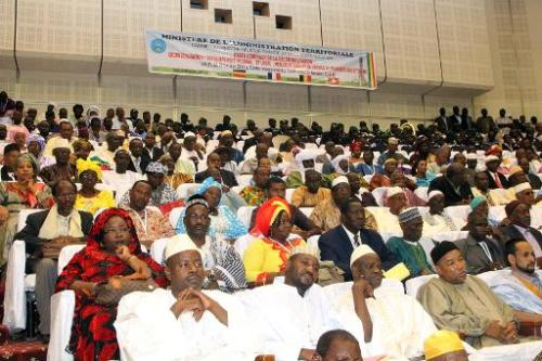 Des participants aux états généraux de la décentralisation, le 21 octobre 2013 à Bamako