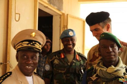 Les trois chefs d'état-major des forces au Mali, le général malien Ibrahima Dahirou Demb