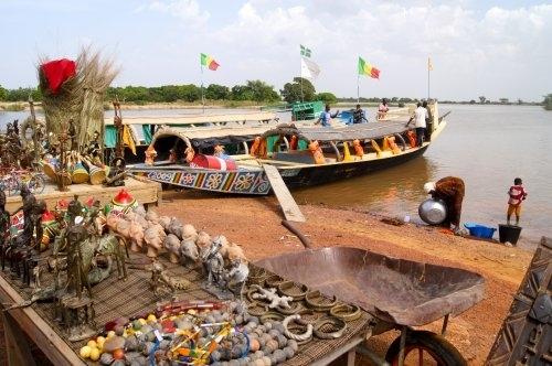 Le marché du bac à Djenné