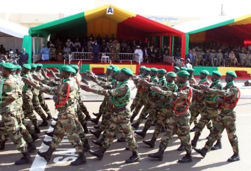 AFP 20.01.14Le chef de l'Etat malien Ibrahim Boubacar Keïta et le chef d'état major Mahama Touré, au
