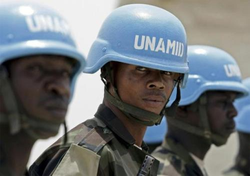 Des soldats onusiens casques bleues
