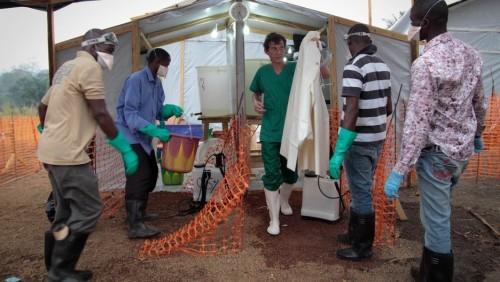 MSF Joffrey Monnier_Nach 30 Minuten in dem Spezial-Anzug, bei einer Durchschnittstemperatur von 30°C