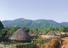 Ein Blick auf den Weiler Siribaja, Teil der Gemeinde Falea.
