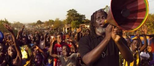 Le chanteur de reggae Tiken Jah Fakoly lance un appel d'unité et de responsabilité