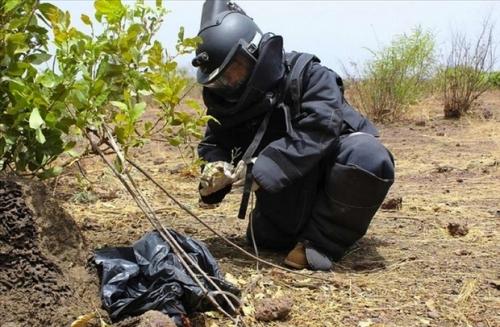Foto (c) Minusma: Exercices pratiques de neutralisation des explosifs et munitions