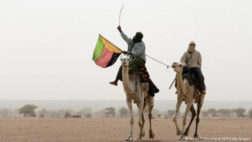 Le drapeau des rebelles touaregs et arabes flotterait désormais au-dessus de plusieurs lo