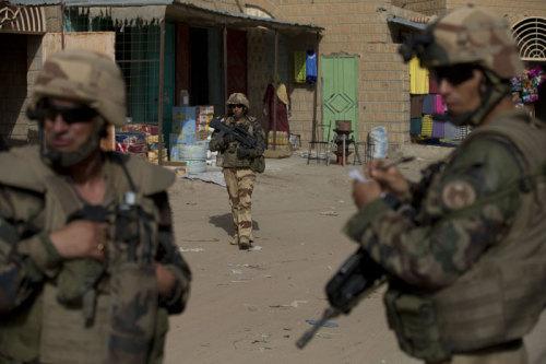 (c) Blackwell_Französische Soldaten in Timbuktu.