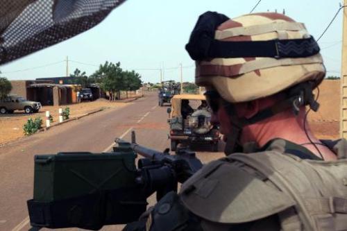 Un soldat français de l'opération Serval le 16 octobre 2013 dans les environnements de G