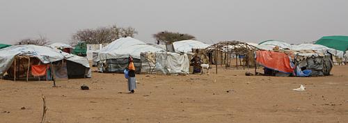 2504 Zelte sind bisher im Flüchtlingscamp Goudebou aufgebaut worden.