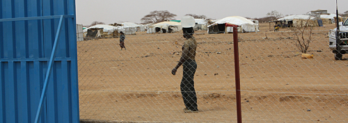 Wassertransport im Flüchtlingscamp.