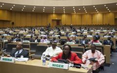 Des représentants des pays de l'Union Africaine participant à la réunion d'urgence sur l'