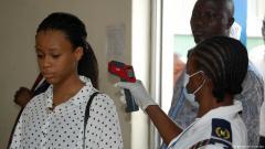 Fieberkontrollen am Flughafen von Nigerias Hauptstadt Abuja