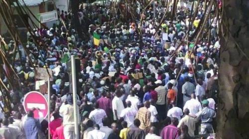 Foto (c) maliweb: Grande marche à Bamako contre l'autonomie ou le fédéralisme du Nord Mali