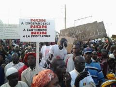 Grande marche à Bamako contre l'autonomie ou le fédéralisme du Nord Mali