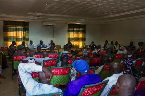 Réunion d'information sur le virus Ebola à l'hôpital de Kayes, au Mali, le 24 octobre 20