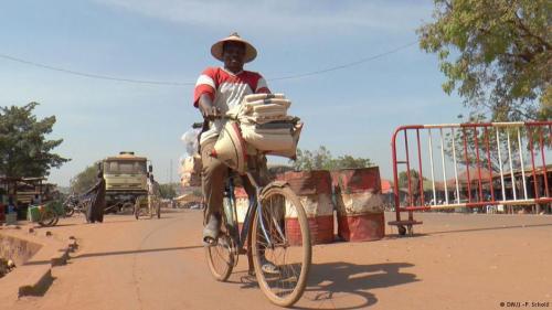 Diawara Issaka, malischer Händler, pendelt zwischen Guinea und Mali