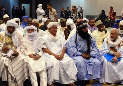 Des membres du MNLA participent à des négociations de paix à Algers le 1er spetembre 201