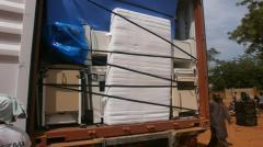 Container in Kenieba geöffnet