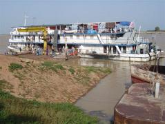 00 Le Général Soumaré, fierté de la Comanav sur le fleuve Niger
