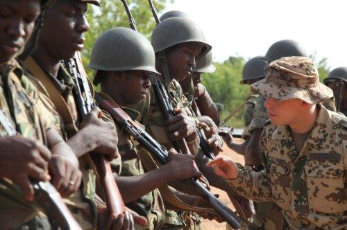 Deutscher Soldat in Mali_Training für den Kampf gegen islamistische Rebellen