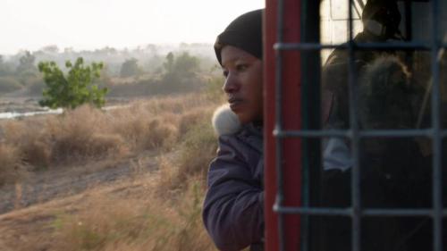 Alima, Malienne et première conductrice d'Afrique de l'Ouest.