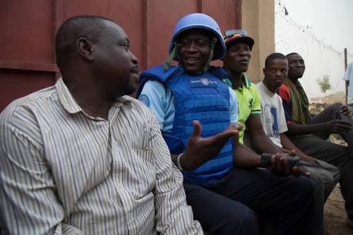 Comme d'habitude le contingent sénégalais de la Police MINUSMA échange avec la popul