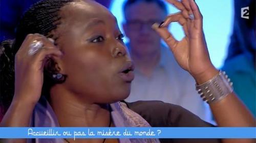 Fatou Diome in einer Talkshow des französischen Senders France 2 (Screenshot)