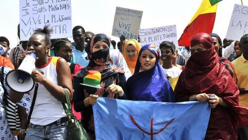 Une manifestation pour la « libération » de Ménaka, à Bamako, le 2 mai 2015
