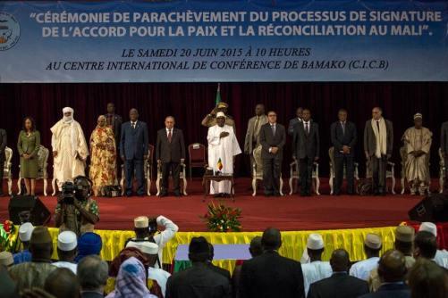 Cérémonie de signature de l'Accord pour la paix et la réconciliation au Mali par la CAM