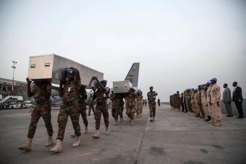 Aéroport International de Bamako - L'arrivée des corps des 6 Casques bleus tués ce m