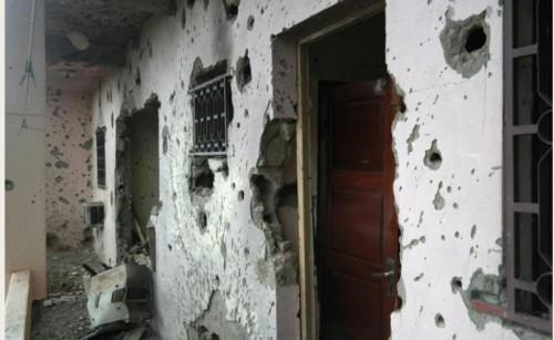 Vue de l'hôtel Byblos de Sévaré au Mali, le 8 août 2015, au lendemain d'une attaque qui a