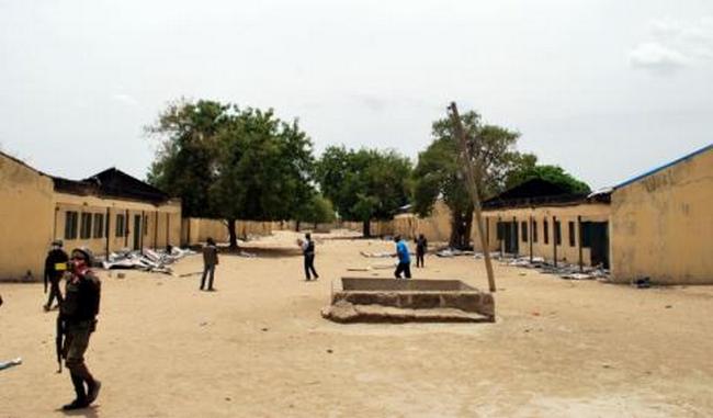 Foto (c) maliweb: Une école du Nord désertée
