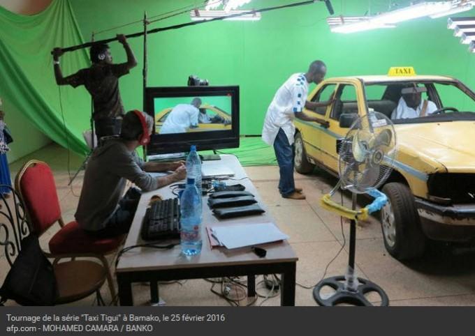 AFP 060416Tournage de la série Taxi-tigui à Bamako