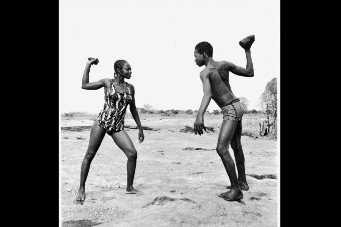 M. Sidibé_Combat des amis avec pierres, 1976