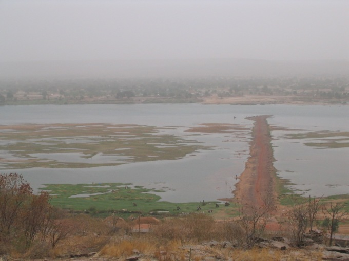 Niger river at Koulikoro. The Stroba Causeway, a couple of kilometers downstream from the town center, is a seasonal crossing of the Niger, built in the colonial era.