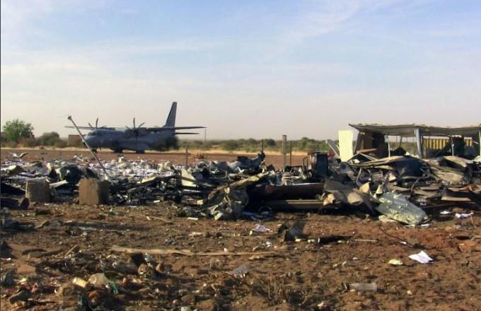 afp-3011216degats-importants-a-laeroport-de-gao-vise-par-un-attentat-jihadiste-le-30-novembre-2016